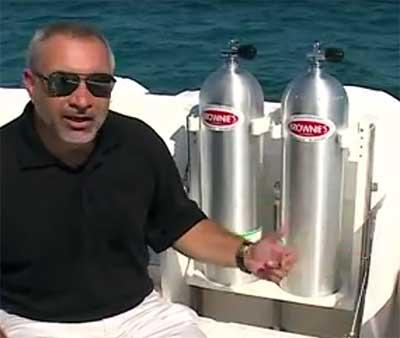 Custom Hydraulic Dive Tank Rack | Brownie's YachtDiver News